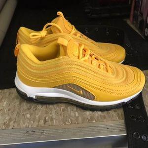 Comprar > mens mizuno running shoes size 9.5 eu west uk